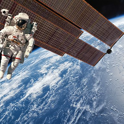 international-space-station-and-astronaut-P2UWTRG